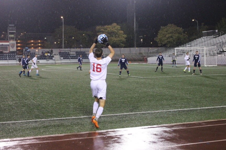 Luke Boha throws the ball in in the second half of the state championship.